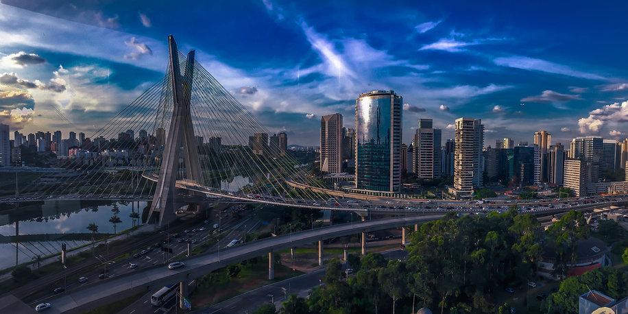 city-2278497_edited.jpg