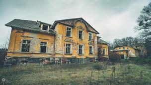 Roadside Manor