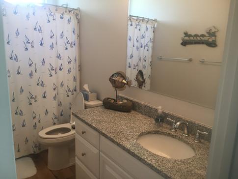Cottage 702 - Bathroom.jpg