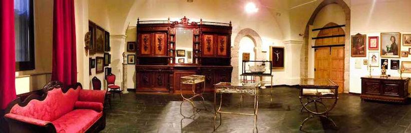 Sala-del-museo-Valeriano-Salas-en-el-cla