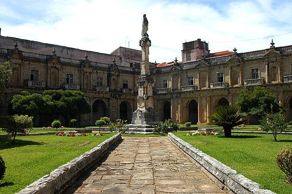 Claustro_do_Mosteiro_de_Santa_Clara-a-No