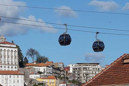 Teleférico_de_Gaia,_cable_car_(264742235