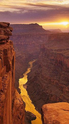 Canyon-in-sunset_2.jpg