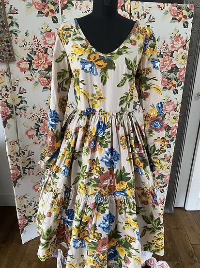 55619 Ewa Powder Flower Layered Dress