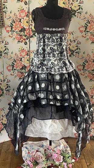 33251 Melange silk embroidery top medium