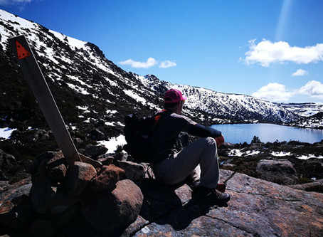 """How to take awesome mobile phone selfies when hiking """"Off The Grid"""""""