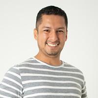 Ingeniero Comercial Victor Macias Pincay