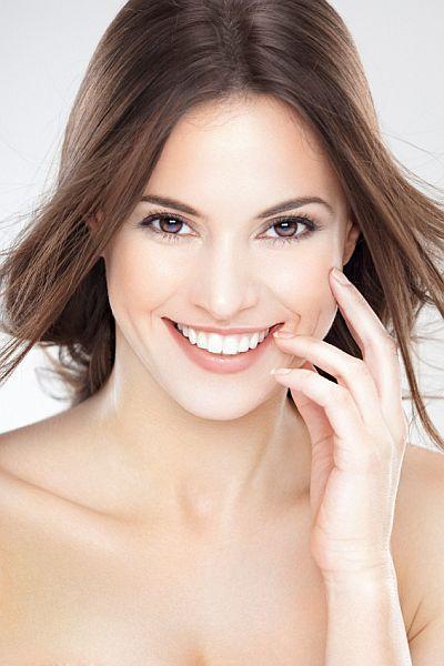 אישה עם עור בריא | טיפוח ויופי
