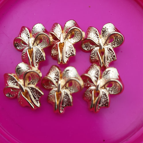 6 Beautiful Vintage Ribbon Buttons
