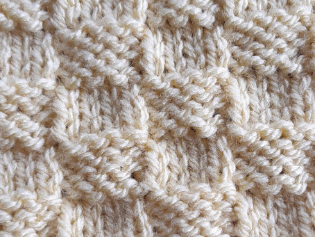 Square number 18 DOUBLE KNITTING