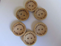 """10 x 20mm """"Handmade with Love"""" wooden buttons"""