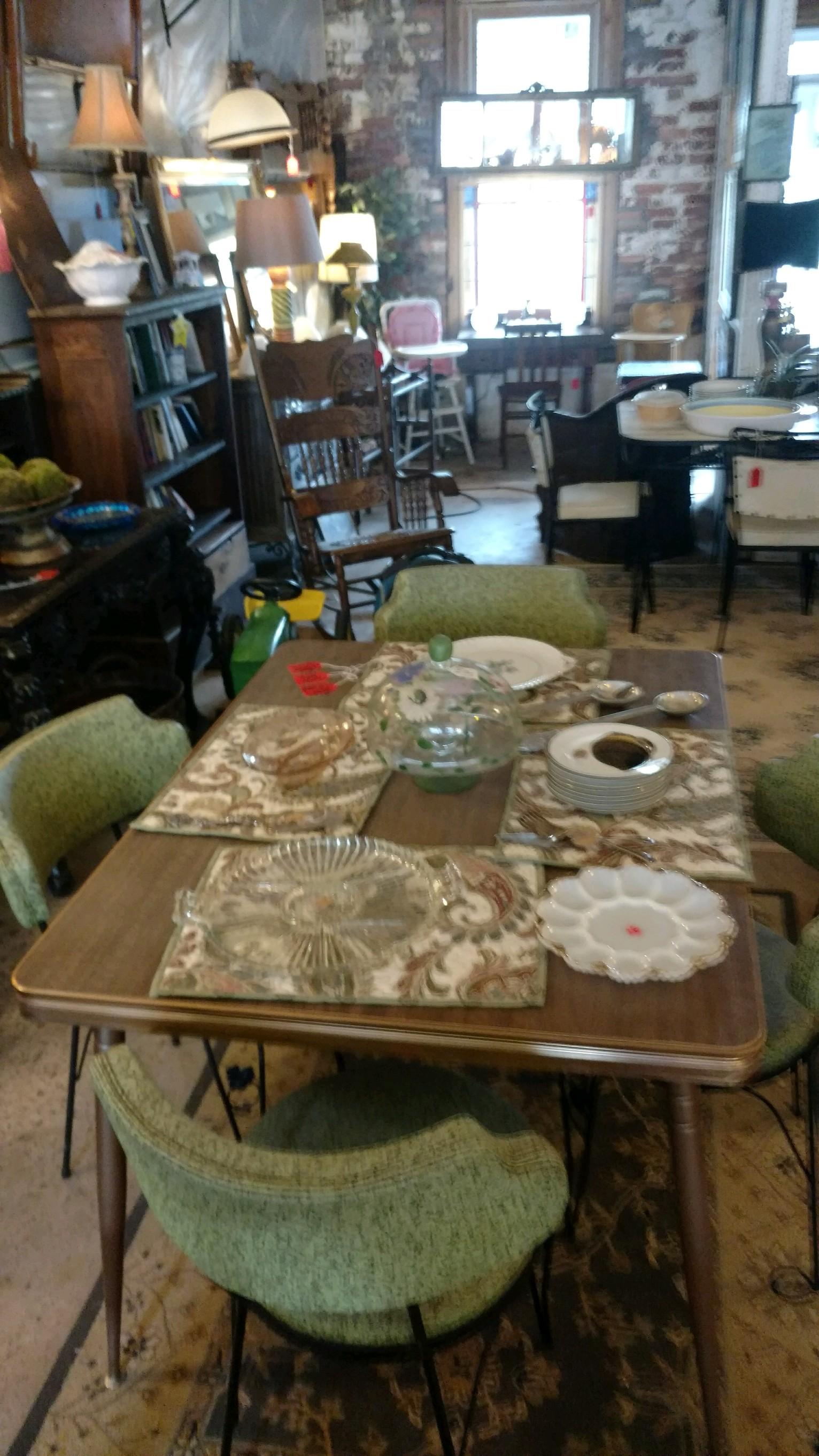 Tracks of Time Antiques - Bishop, GA (10