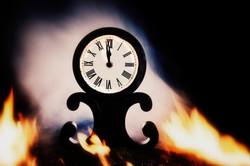 Doomsday clock 11:58