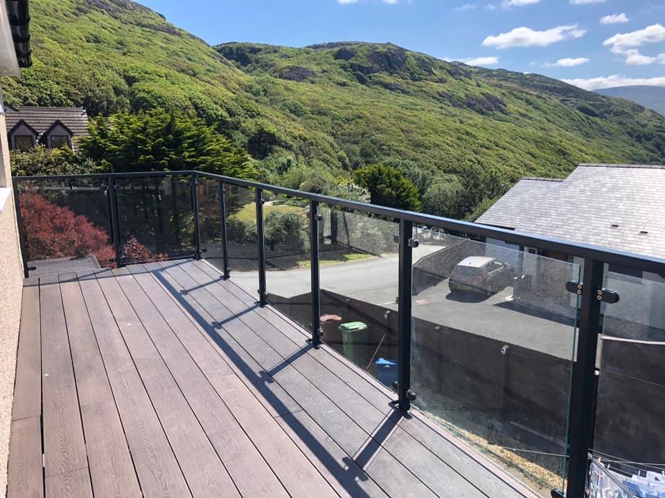 STF balcony and glass balustrade