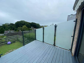 STF glass balustrade with frosted section for privacy