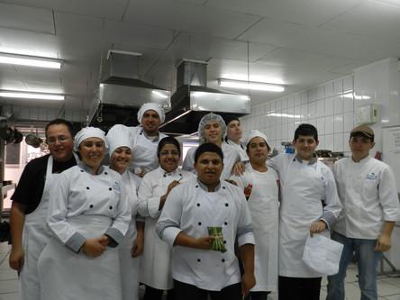 Estudiantes UTUR en nuestra Cocina