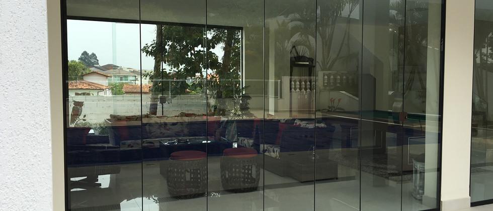 porta cortina de vidro.jpg