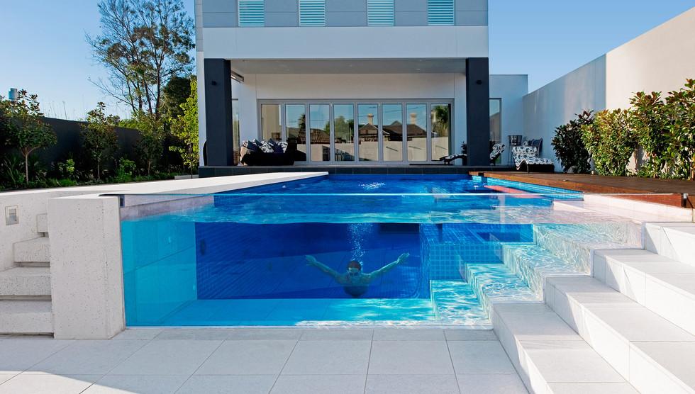 piscina de vidro.jpg