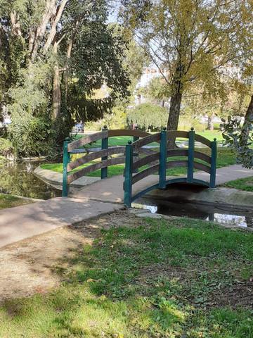 Petit pont au-dessus du canal