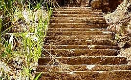 🚶🏻♀️Climb up to The Ravana's cave