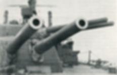 Guns-of-HMS-Ajax-1916-300www.jpg