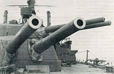 Guns-of-HMS-Ajax-1916-300www.jpg