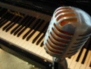 W_Mic_Piano.JPG