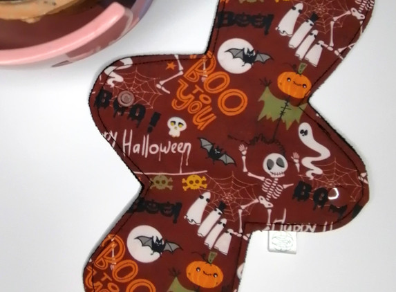 cloth-sanitary-pad-medium-halloween-cup-cakes