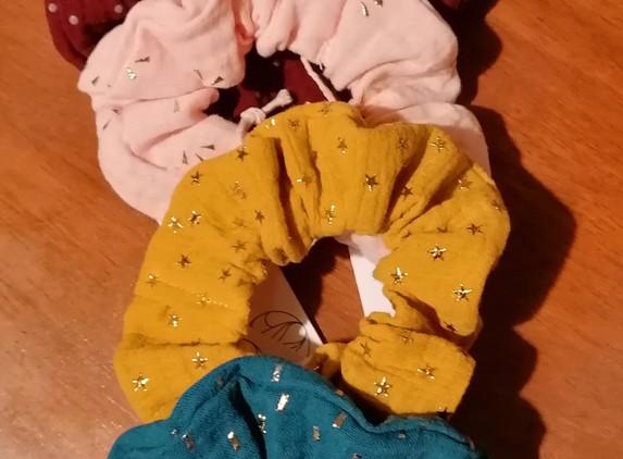 scrunchie-hair-tie-1