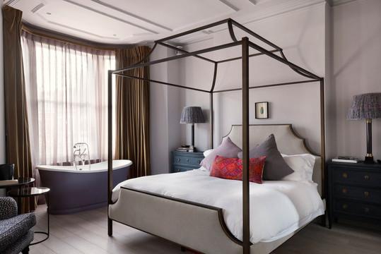 Curtains - Pat Giddens Ltd Interior Designer - Studio Duggan Photographer - Alex James