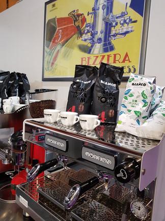 Café Bianco (Italie), et machines à café Bezzera