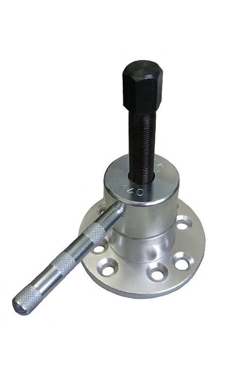 140 - Extrator do cubo de roda para veículos com rodas de 4 furos.