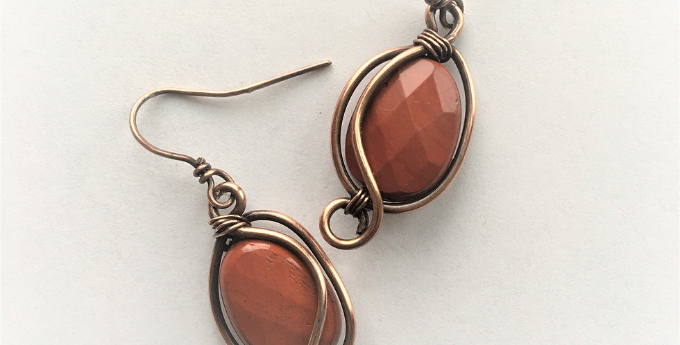 Faceted Red Jasper in thick copper wire