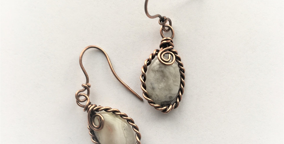 Crazy Lace Agate in twisted copper
