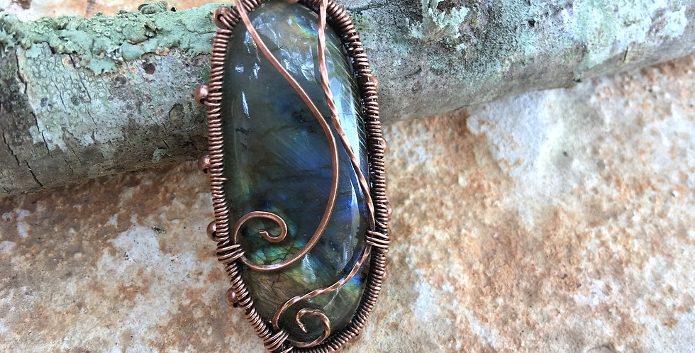 Green Labradorite Oval in Copper
