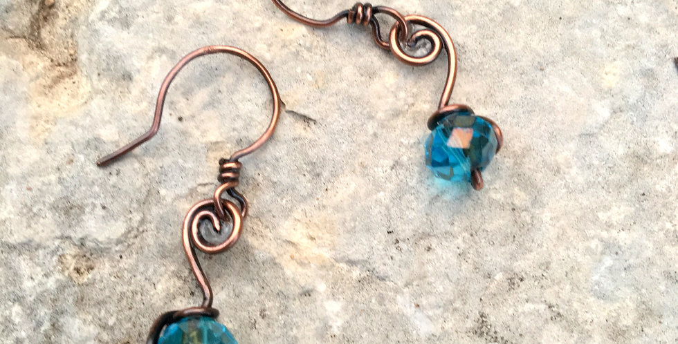 Simple Spiral & Blue Crystal Bead