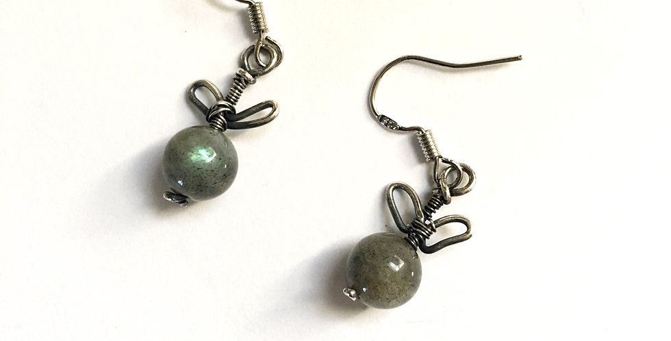 "Labradorite Bead & Silver ""Leaves"""