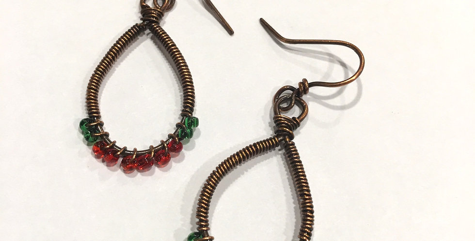 Red & Green Seed Beads in Coiled loops