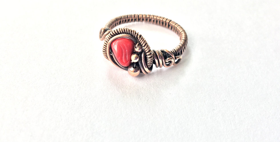 Coral Chip & Copper Bead Ring Sz 8 1/2