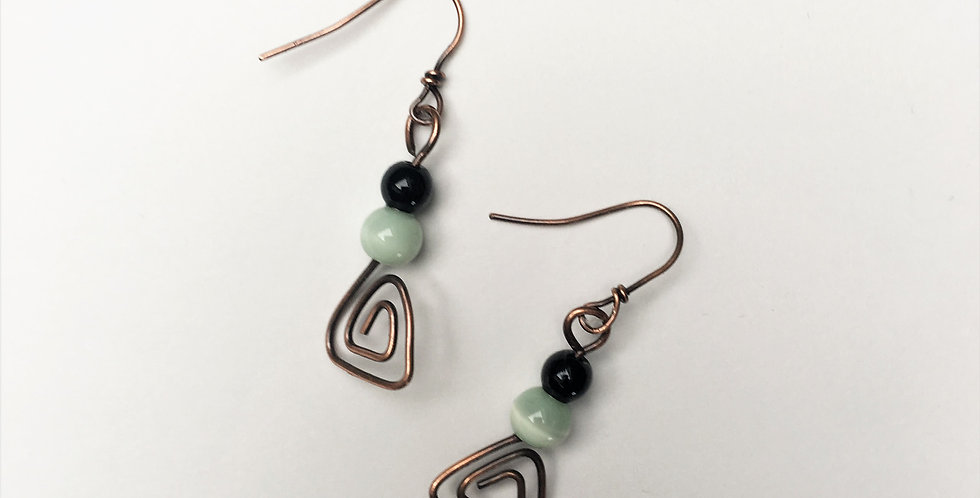 Copper trianges, cat's eye & black onyx
