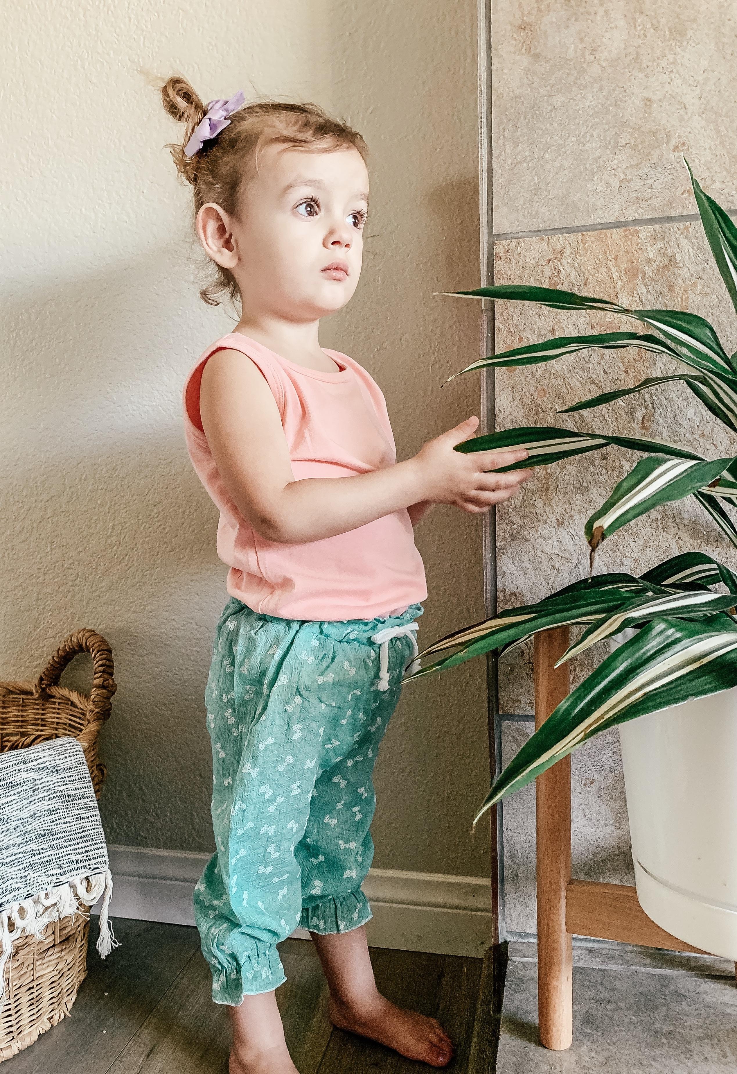 Geneies girl's muslin pants