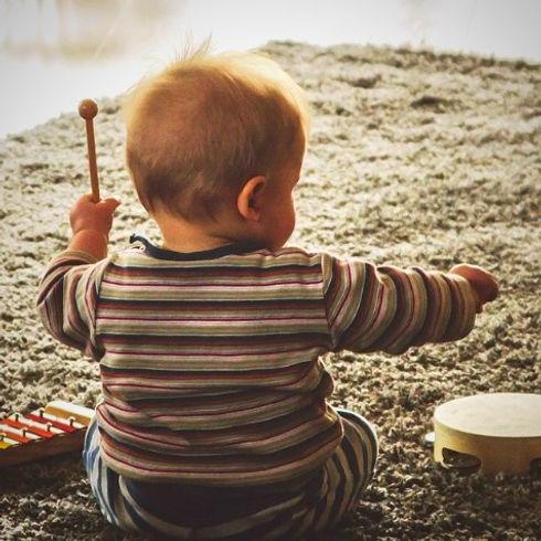 music-818459_1920_edited_edited.jpg
