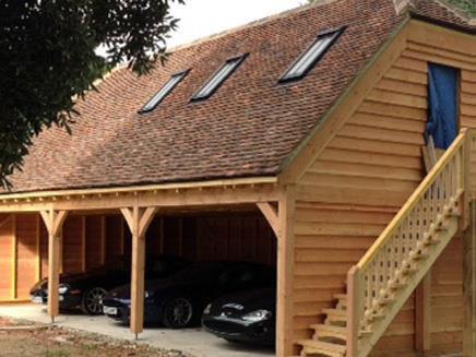 Aston3.jpg