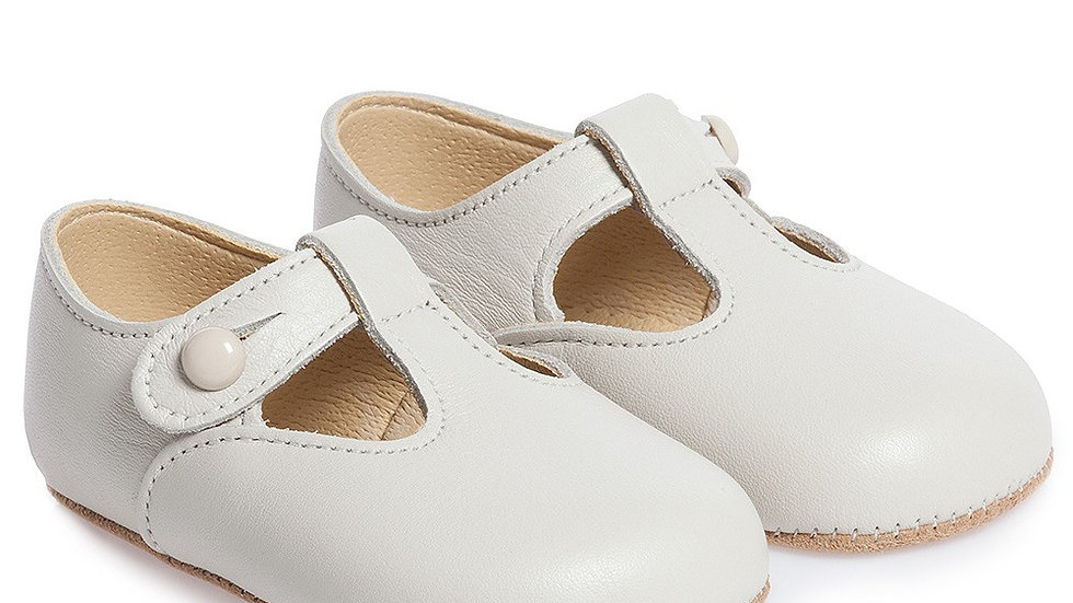 Early Days Ivory Leather Pre-Walker Shoes