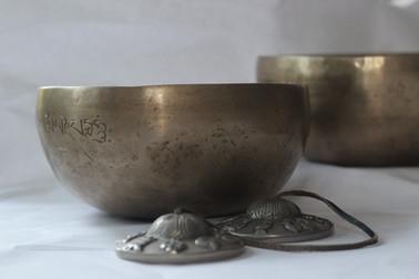 singing-bowls-1615498_1920.jpg