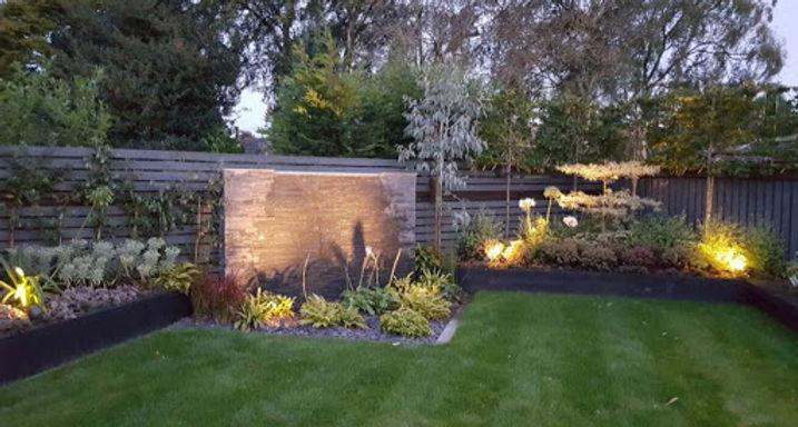 garden feature plant lights.jpg