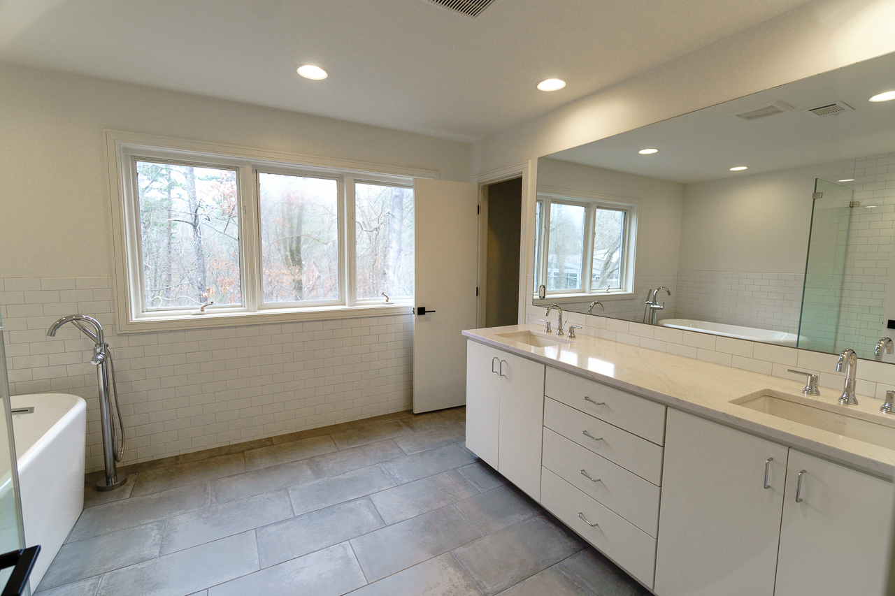 Upstairs Bathroom 1