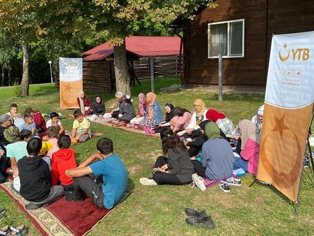Встреча в детском лагере