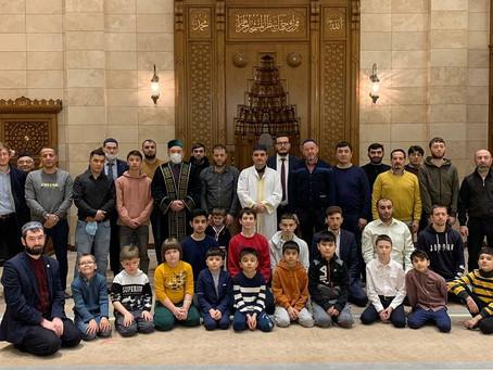 Мечеть собирает друзей