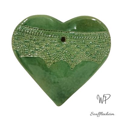 Cœur Bombé vert décor dentelle.